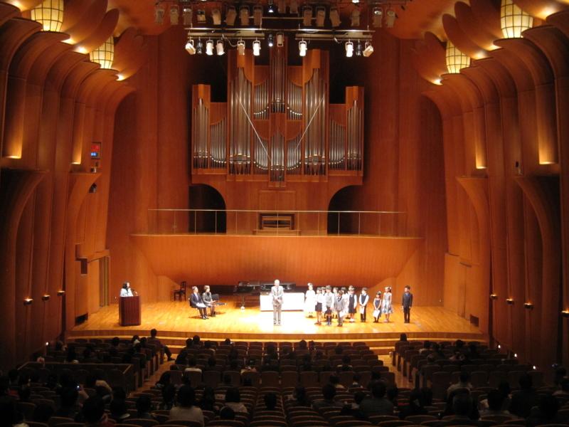アオバ楽器ピアノコンクール審査員講評・表彰式の様子